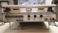 Signal Generator hp 8614A